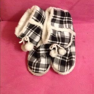 Shoes - Booty slippers plaid with white gray and black